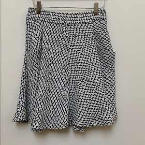 Zara Basic Black And White A-Line Skirt Size XS